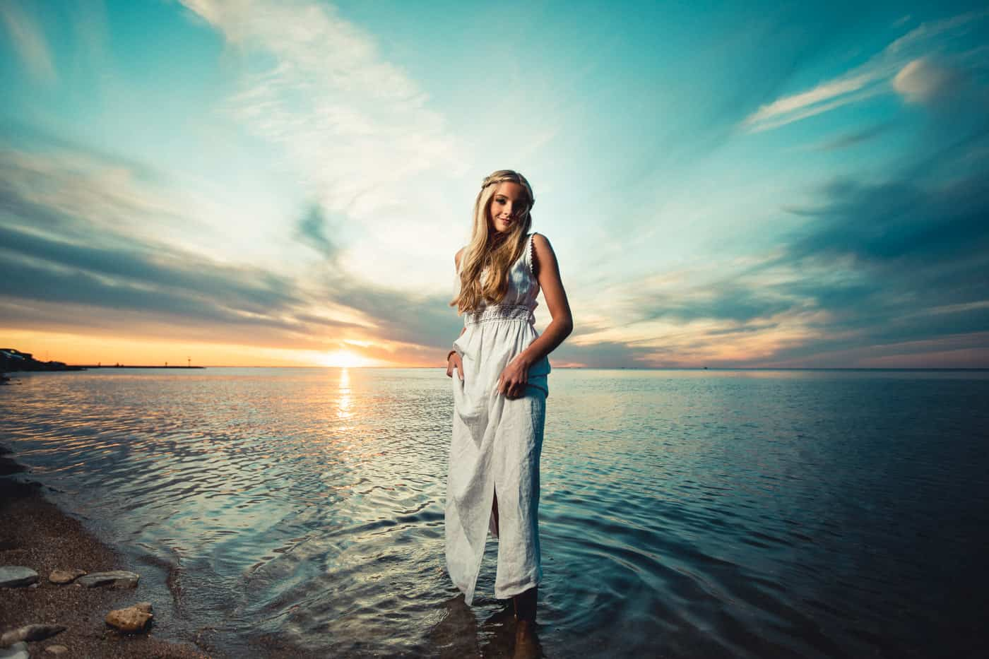 Sunset Senior Pictures on the bay in Green Bay