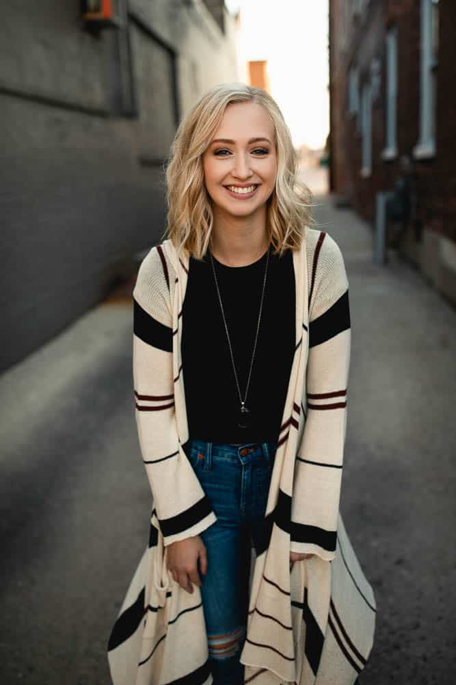 carefree casual senior portrait outfits 3