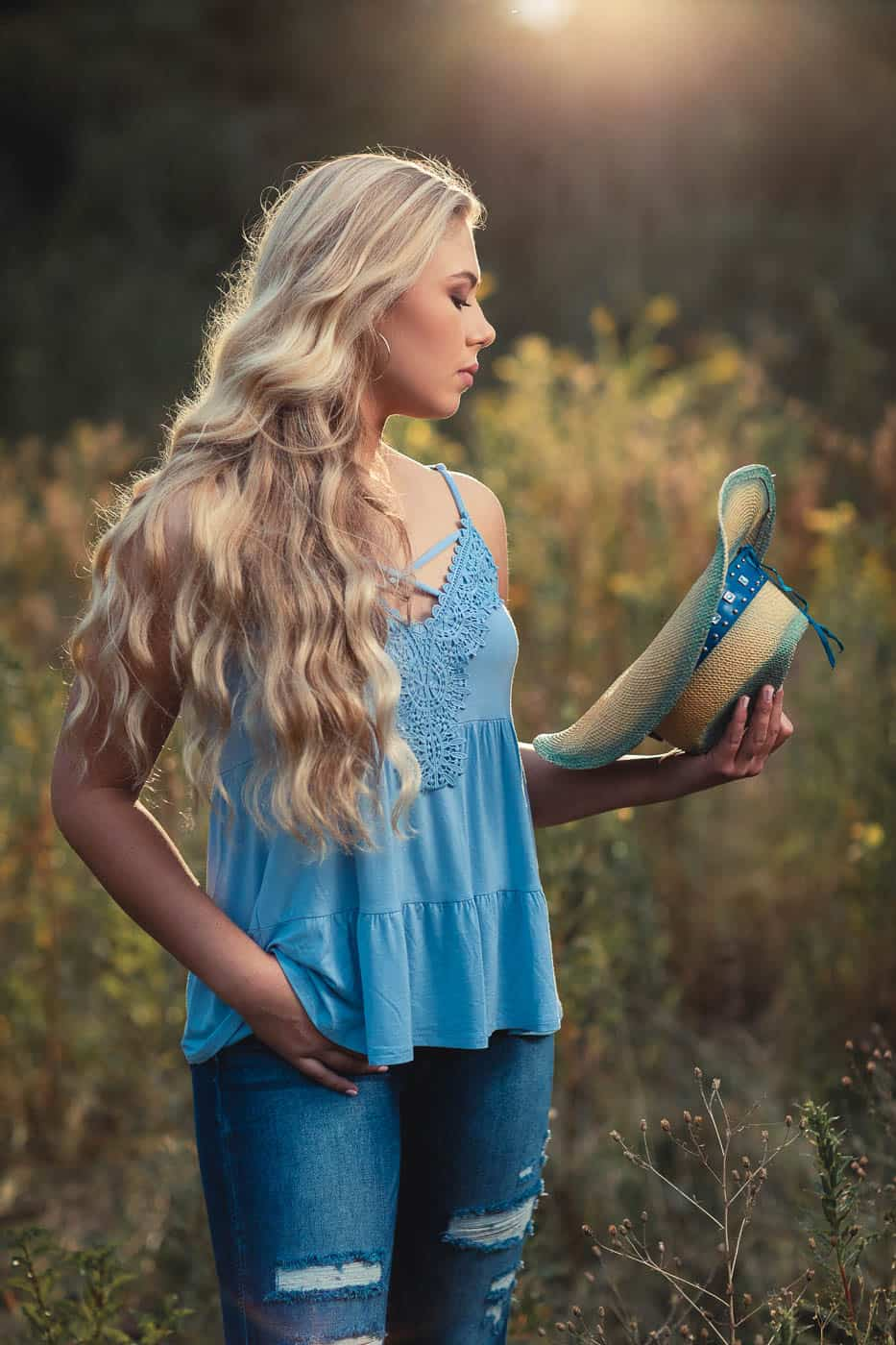 Country chic senior portrait outfit ideas
